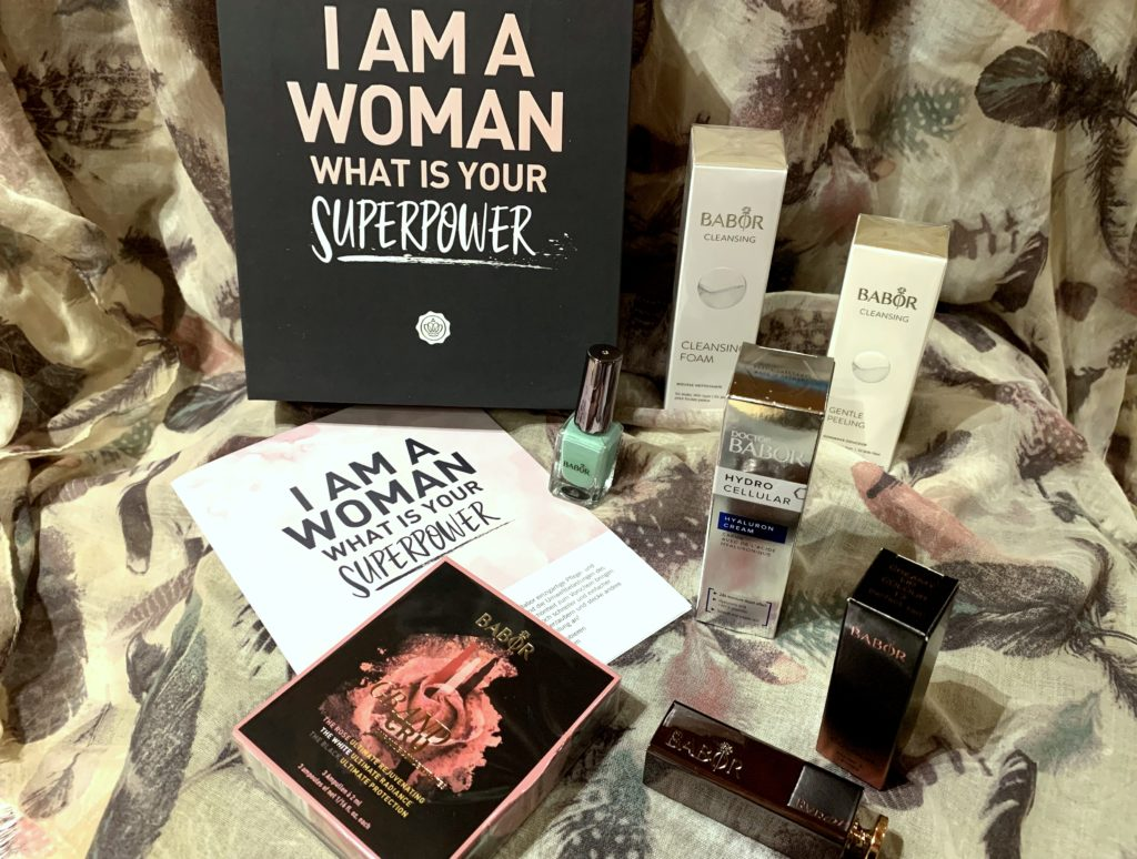Glossybox Special Edition im November 2018 – I am a woman, what is your superpower